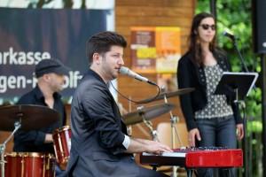 """Veranstaltung: Gordon November mit Band am 14.6.2015 in Radolfzell auf der Mettnau im Rahmen der Veranstaltungsreihe """"Jazz Open""""."""